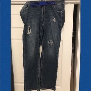 LB destructed genius fit boot cut. Size 20.